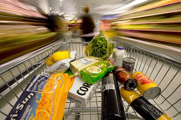 Feeding Frenzy: The Food Industry, Marketing & the Creation of a Health Crisis